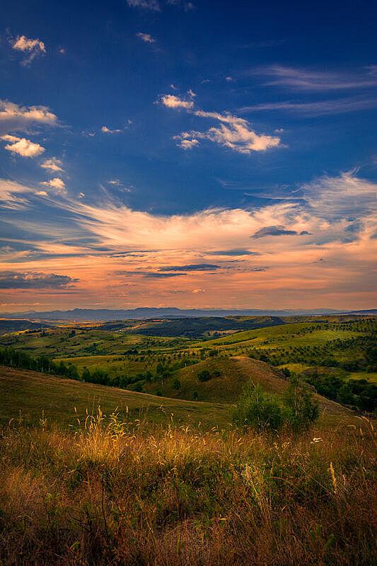 云,垂直画幅,风景,自然美,山,在上面,都市风光,推铅球,透视图,日落