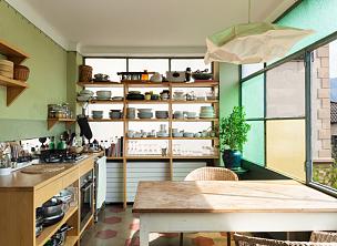 复式楼,室内,舒服,餐具,水平画幅,墙,透过窗户往外看,无人,椅子,古典式
