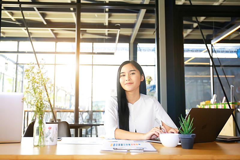 商务,女商人,快乐,数字,梦想,新创企业,微笑,上升,预测