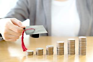 女商人,慈善捐赠,借,学位帽,慈善义演,高等教育,储蓄,水平画幅,泰国