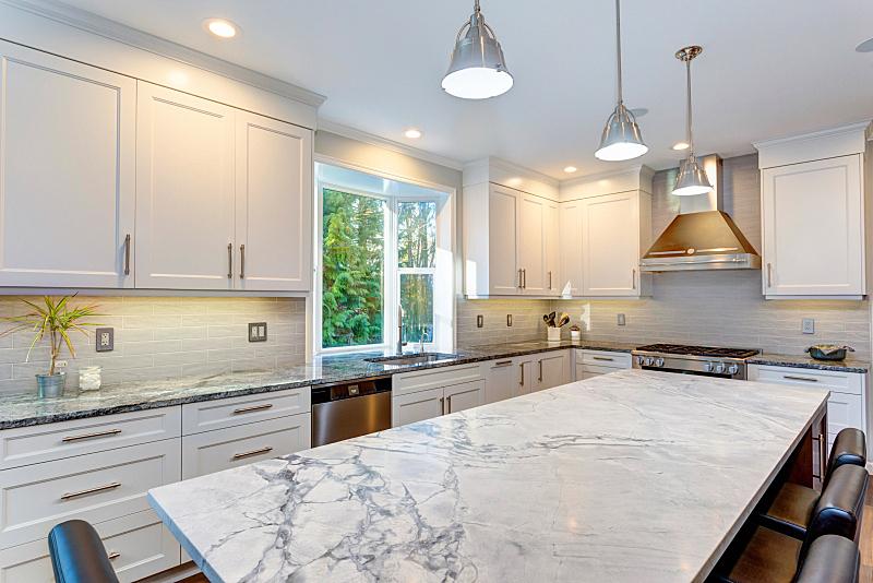 厨房,自然美,白色,新的,水平画幅,无人,巨大的,天花板,家具,干净
