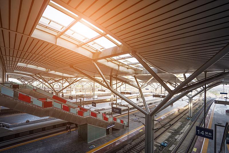 火车,车站,车站月台,台阶,水平画幅,交通,城市生活,建筑外部,户外,城市