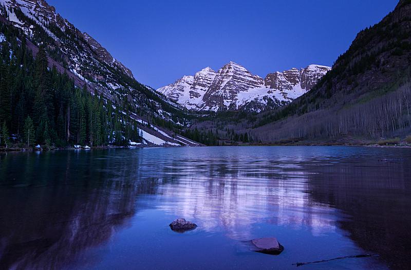 默鲁恩湖,自然,水,红色,寒冷,美国,水平画幅,雪,无人,蓝色