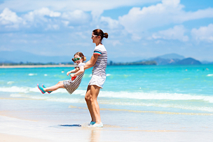 海滩,母亲,儿童,海洋,鸡尾酒,水,水平画幅,沙子,进行中,父母