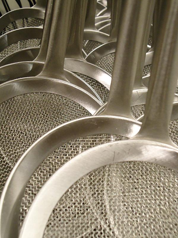 金属,漏勺,垂直画幅,银色,无人,铝,商店,四方连续纹样,特写,铁丝网