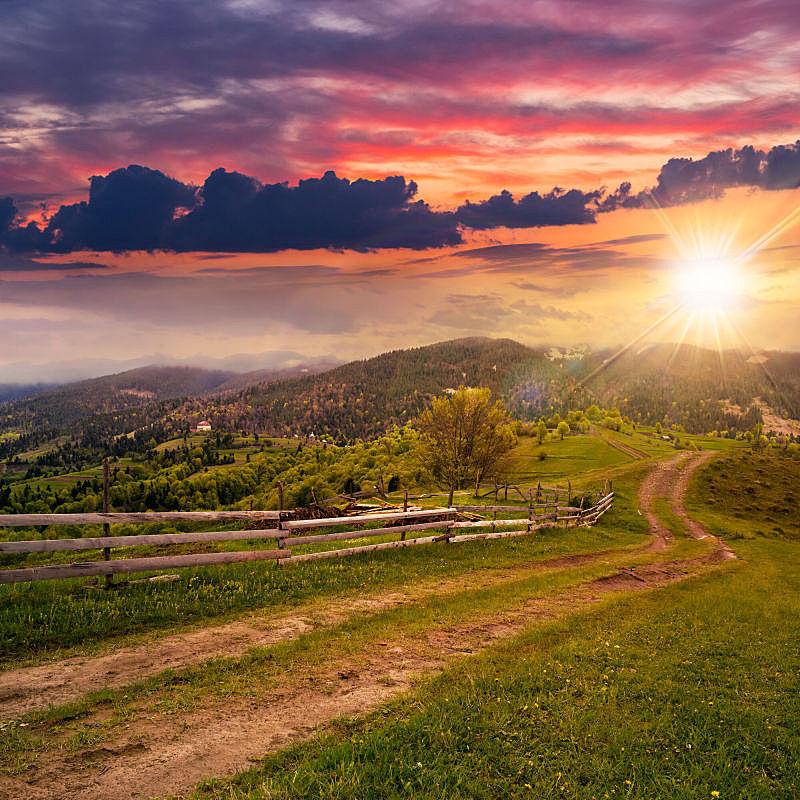 草地,山,篱笆,自然,非都市风光,无人,乡村,林间空地,日落