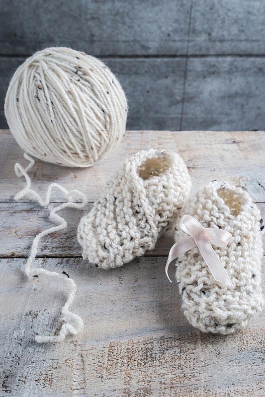 木制,羊毛,婴儿鞋,桌子,垂直画幅,球,新的,休闲活动,纺织品,袜子