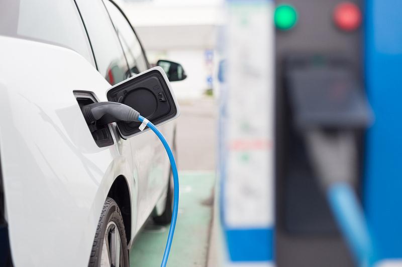 电车,加油站,电动汽车,省油,混合动力汽车,动物出击,混合动力车,充电电池,替代燃料汽车,化石燃料