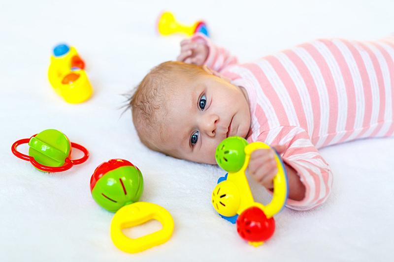 可爱的,女婴,玩具,进行中,多色的,拨浪鼓,女儿,请柬,仅儿童,床