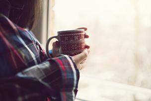 咖啡,早晨,白日梦,格子花纹,健康,黑发,杯,透过窗户往外看,热,窗户