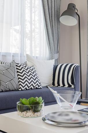 起居室,花瓶,玻璃,桌子,白色,垂直画幅,住宅房间,家具,舒服,公寓