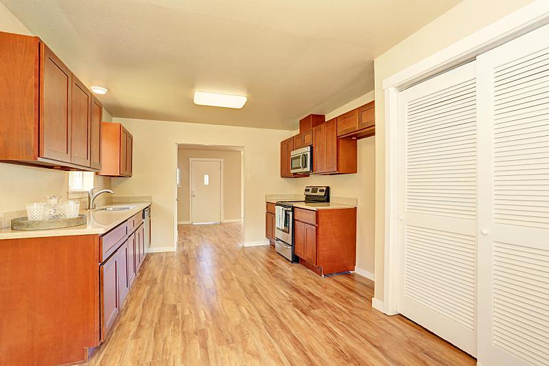 住宅房间,室内,厨房,计划书,柜子,木制,易接近性,窗户,水平画幅,吧椅