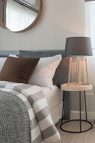 现代,卧室,枕头,垂直画幅,纺织品,无人,早晨,灯,家具,干净