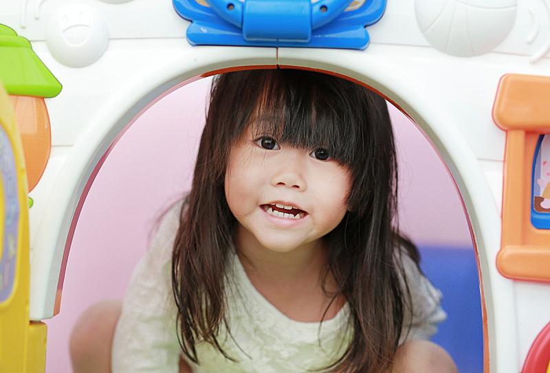 玩具屋,小山羊,小的,女孩,进行中,亚洲,玩具送儿童,非营利机构,戏剧表演,居住区