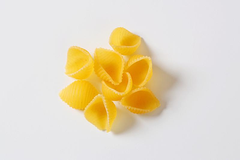 组物体,意大利面,贝壳,形状,贝壳通心粉,水平画幅,纹理效果,素食,生食,干的