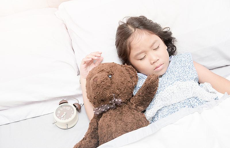 小的,可爱的,女孩,泰迪熊,亚洲,不健康的生活方式,美,就寝时间,水平画幅,夜晚
