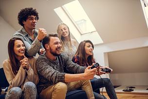 进行中,游戏,青少年,青春期,水平画幅,美人,家庭生活,男性,沙发