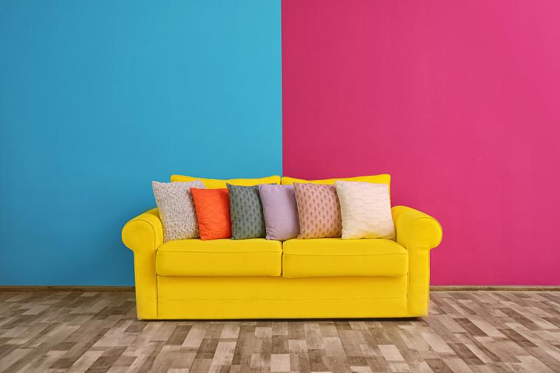 沙发,枕头,彩色图片,围墙,住宅房间,个性,无人,舒服,乌克兰,室内