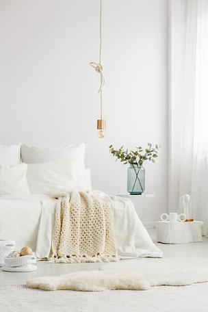 卧室,创造力,极简构图,个人随身用品,垂直画幅,纺织品,家庭生活,家具,光,单色调