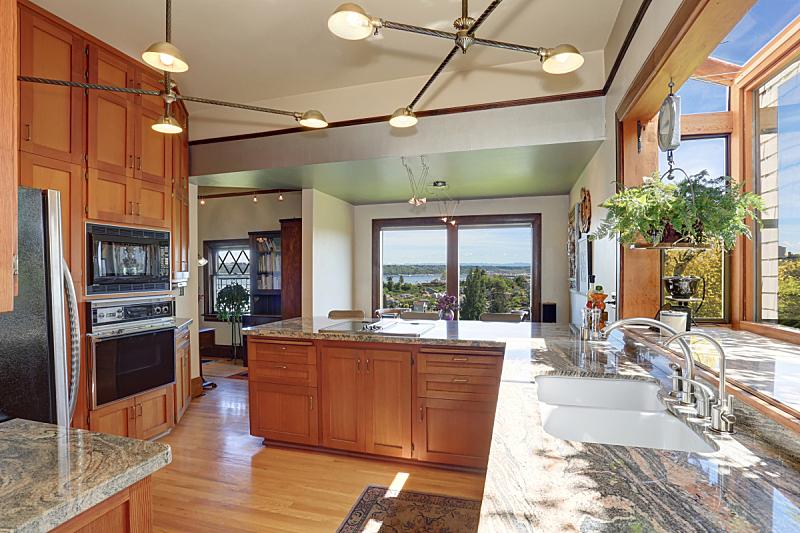 住宅房间,天花板,厨房,高大的,非凡的,极简构图,柜子,窗户,水平画幅,吧椅