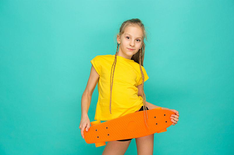 滑板,女孩,拿着,可爱的,滑板坡道,滑板运动,仅一个少女,高中生,女强人,青少年