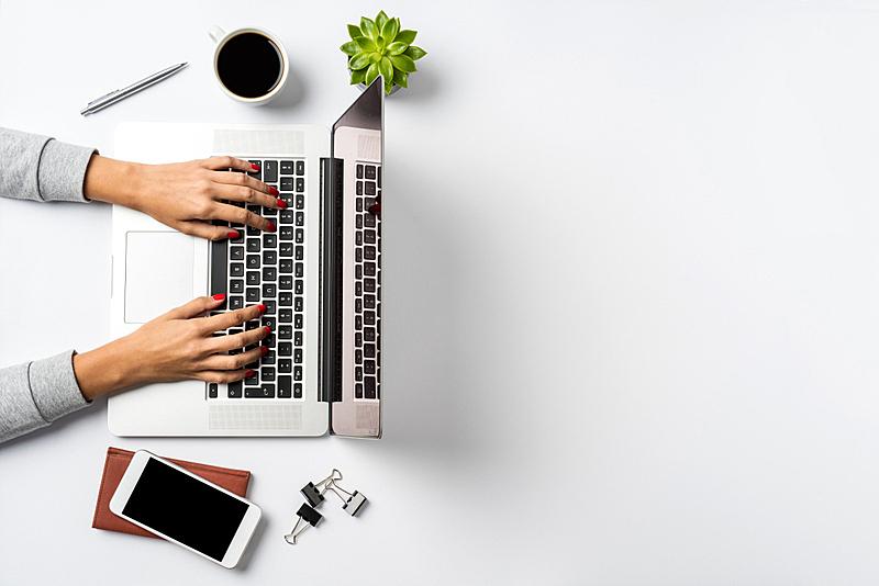 现代,书桌,办公室,笔记本电脑,手,女性,白色背景,留白,想法,白色