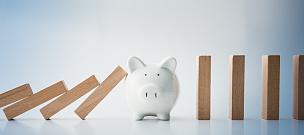 债务,骨牌,风险,小猪扑满,存钱罐,储蓄,金融,银行业,水平画幅