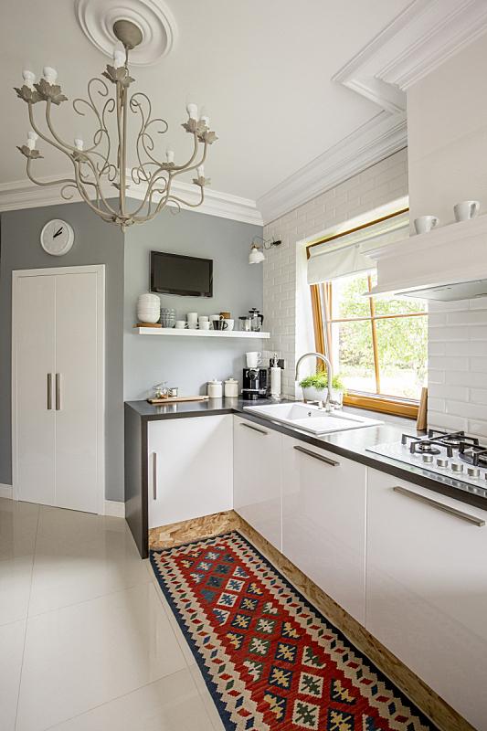 地毯,厨房,式样,开放式设计,水晶吊灯,垂直画幅,无人,家具,明亮,现代