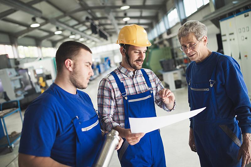 工业,工厂,工程师,金属工业,塞尔维亚黑山,职业安全与健康,安全帽,安全的,顾客,建筑业