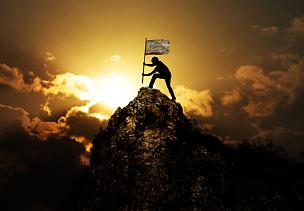山,拿着,男人,山顶,钉住,探险家,徒步旅行,典礼,奖,悬崖