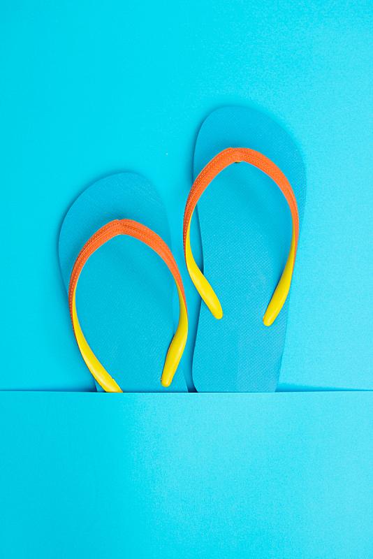 凉拖鞋,蓝色,垂直画幅,休闲活动,夏天,塑胶,拖鞋,海滩,热带气候,休闲装