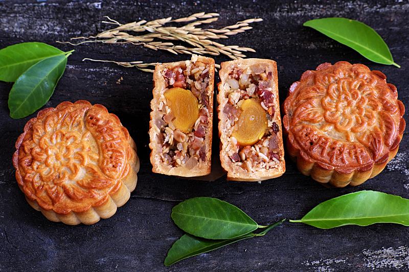 越南,月饼,甜食,美,水平画幅,蛋糕,烘焙糕点,甜点心,黑色背景,东方食品