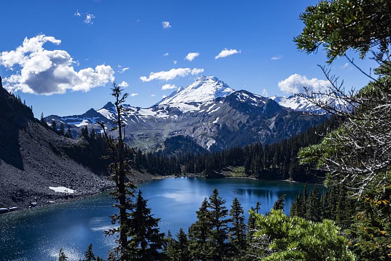 贝克尔山,天空,水平画幅,高视角,雪,无人,火山地形,户外,湖,云景
