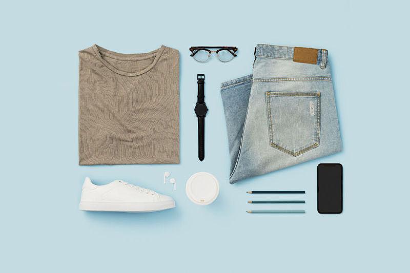 平铺,个性,蓝色背景,休闲装,个人随身用品,t恤,组物体,一次性杯子,眼镜,彩色背景
