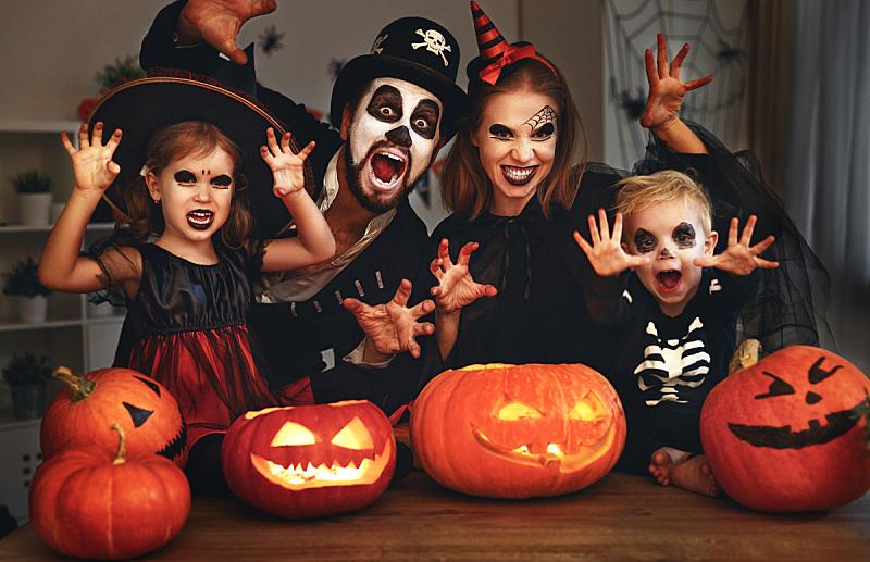 彩妆,儿童,快乐,母亲,家庭,父亲,演出服,夜晚,南瓜