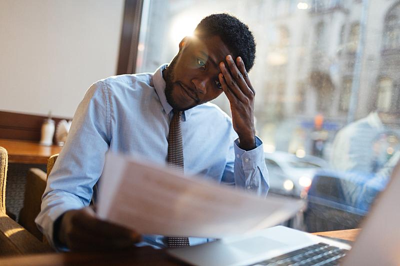 经理,餐馆,情绪压力,疲劳的,文档,非洲人,男商人,悲哀,看,非裔美国人
