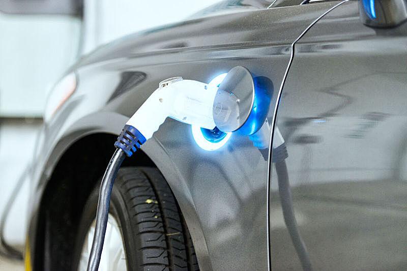 电源,电动汽车,混合动力车,电车,电动汽车充电站,充电器,混合动力汽车,省油,动物出击,加燃料