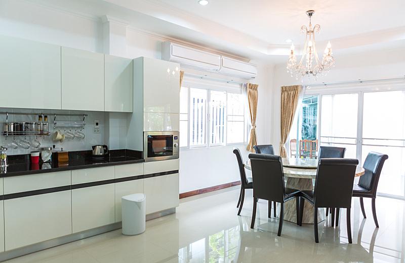 起居室,厨房,角落,咖啡,柜子,极简构图,住宅内部,微波炉,抽屉,水平画幅