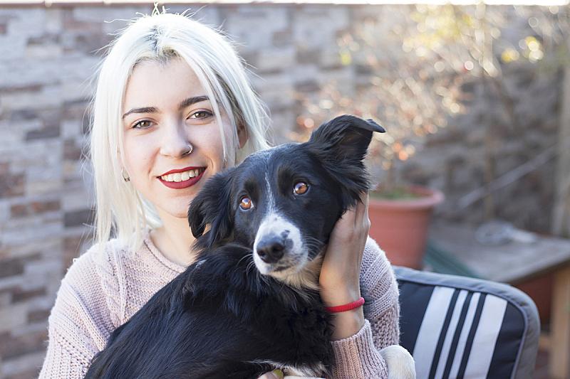 肖像,狗,女人,可爱的,纯种犬,动物,犬科的,休闲活动,人的脸部,小狗
