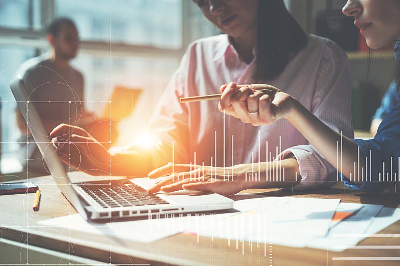 复式楼,文书工作,办公室,团队,领导能力,计算机制图,计算机图形学,男商人,新创企业,文档