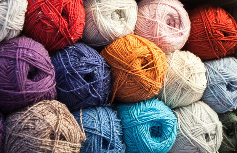 特写,羊毛线球,背景,多色的,球,钩针编织品,水平画幅,纺织品,机织织物,无人