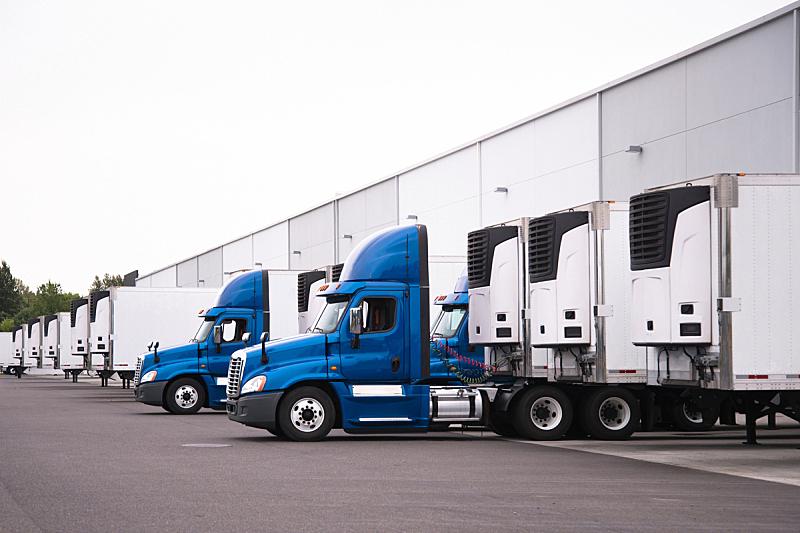 仓库,拖车,成一排,卡车,大门,在下面,装货,卸货,站,靠近