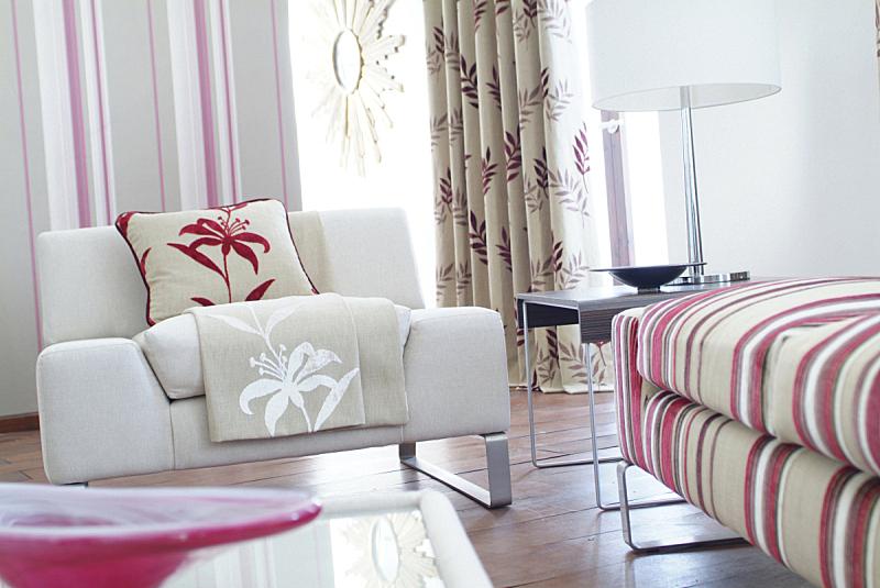 现代,室内,起居室,窗帘,边几,灯罩,软垫,水平画幅