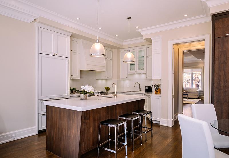现代,室内,厨房,独立灶台,顶楼公寓,柠檬树,柜子,备餐间,多士炉,公寓