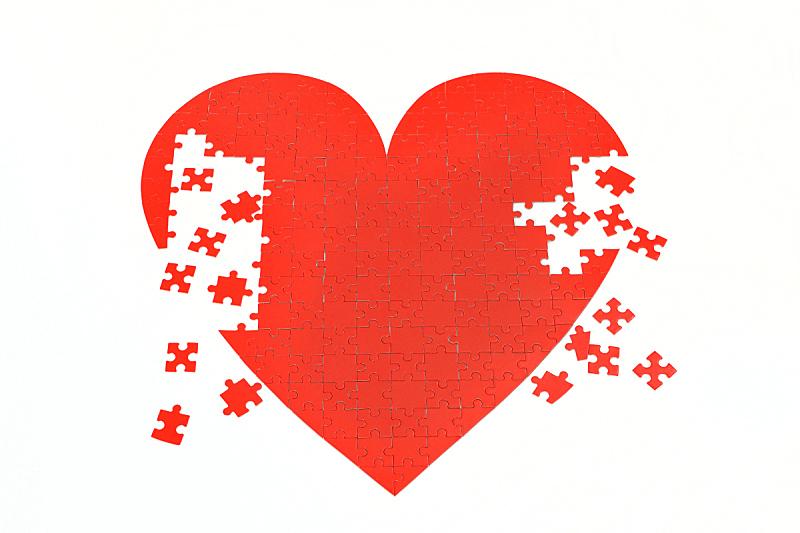 红色,谜题游戏,动物心脏,留白,水平画幅,无人,白色背景,摄影