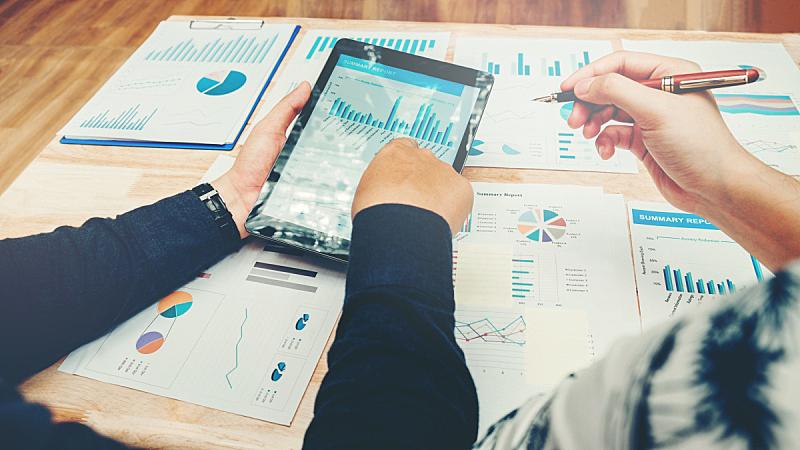 新创企业,文书工作,会议,平板电脑,团队,男商人,水平画幅,文档,经理,想法