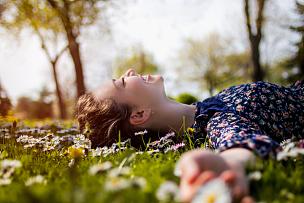 自然美,草,青年人,少女,无忧无虑,欢乐,美人,自由,野餐,雏菊