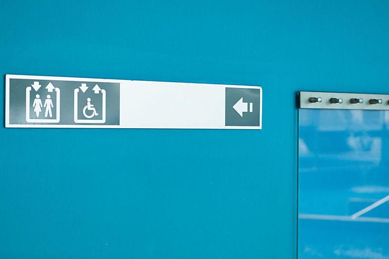 洗手间标志,蓝色,银色,健康保健,易接近性,卫生间,女人,能力缺陷者,轮椅坡道,背景