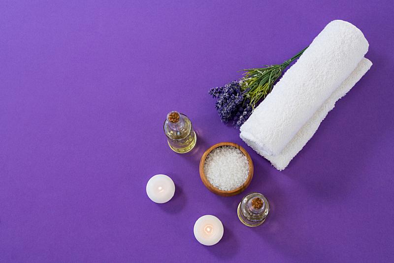 紫色背景,spa美容,个人随身用品,留白,替代疗法,辅导讲座,水平画幅,健康,干净,按摩师
