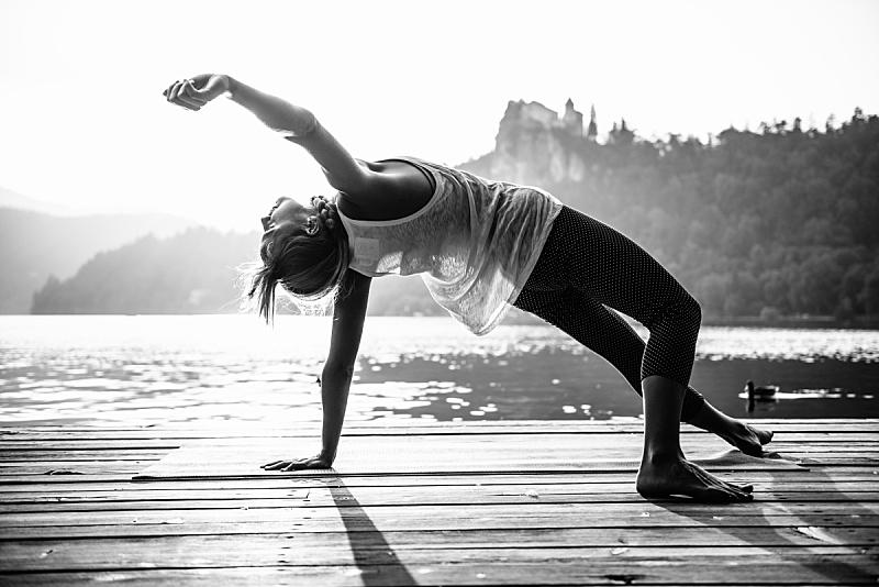 瑜伽,湖,拜日式瑜伽姿势,姿态优美,黑白图片,健康,禅宗,平衡,水